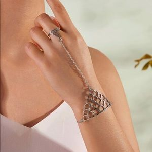 Jewelry - 🆕 Finger Ring Chain Bracelet